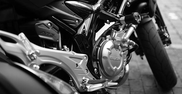 motorcycle-410165_640